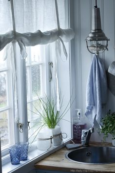 Decor: [decor]: On The Subject Of. Swedish and Roll-up Blinds Scandinavian Curtains, Scandinavian Living, Scandinavian Design, Fabric Blinds, Diy Curtains, House Blinds, Blinds For Windows, Home Decoration Brands, Vinyl Mini Blinds