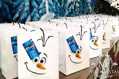 Cute Favor Bags at a Frozen themed birthday party with Lots of Really Cute Ideas Disney Frozen Party, Frozen Birthday Party, Olaf Party, Frozen Theme Party, 4th Birthday Parties, Birthday Ideas, Anna Und Elsa, Party Time, Party Ideas