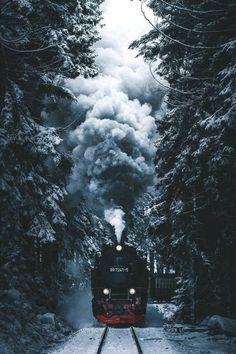 schwarzer zug im wald hogwarts express harry potter weihnachten die schönsten hintergrundbilder kostenlos downloaden