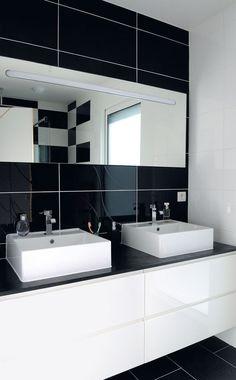 A black and white bathroom love this bathroom for your renovation downstairs. Bathroom, Bathrooms Remodel, Bath Remodel, Amazing Bathrooms, Bathroom Design, Bathroom Remodel Master, White Bathroom, Tile Bathroom, Bathroom Mirror