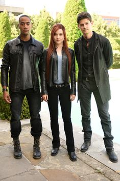 Owen Roth, Nykeem Provo, and Susanna Fournier in Shadowhunters: The Mortal Instruments (2016)