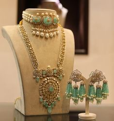 Jewelry OFF! Bridal jewelry necklace Wedding jewellery collection Indian jewelry earrings Bridal jewelry Jewelry design Bridal gold jewellery - Thinking to Shop Wedding Jewellery Online I am listing more tha - Bridal Jewellery Online, Indian Bridal Jewelry Sets, Fancy Jewellery, Stylish Jewelry, Wedding Jewelry, Indian Gold Jewellery, Amrapali Jewellery, Fashion Jewelry, Thread Jewellery
