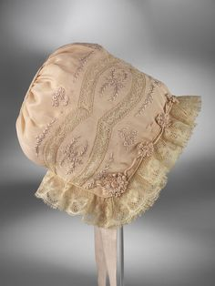 1920-1929 child's bonnet, Hungary | Via Search the Collections