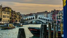 Venezia Rialto | In  Venezia                                                                                                                                                                      Pont du Rialto !                                    Rialto bridge !                                                                  #Venezia #bridge #Italy #Italia #serialhikers #love #roadtrip #hike #travelawesome #wonderfuldestinations #backpack #adventure #travel #trip #...