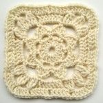 crochet granny square with flower 2