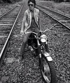 Bruce on the tracks