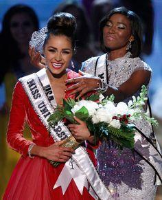 Olivia Culpo receives Miss Universe crown