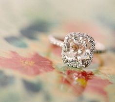 peach champagne sapphire ring - so gorgeous! THIS is what I want for an engagement ring.. Rose gold.. Peach champagne sapphire.. Surrounded with diamonds.. PERFECT. Looks so classy and elegant, too :)