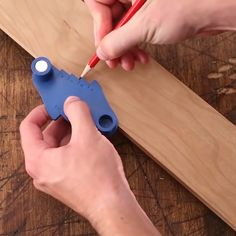 Multi-Function Magnetic Center Scriber Provides Just What Your Woodworking Job Needs So That You Can Add Convenience & Efficiency to Your Cutting Jobs! diy for beginners plans tips tools Woodworking Hand Tools, Woodworking Projects, Woodworking Plans, Woodworking Techniques, Woodworking Furniture, Cool Kitchen Gadgets, Cool Gadgets To Buy, Diy Furniture Videos, Perfect Angle