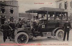 Cartes postales anciennes de Toul (54200) - L'Ambulance de l'Hôpital Militaire (Hôpital Militaire - L'Auto faisant le service des Forts.)