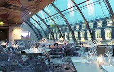 Suite au succès de notre article sur les bars pour un 1er rdv à Paris, nous vous donnons nos meilleures adresses de restaurants romantiques de Paris.