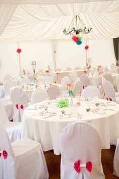une belle déco rose et un blanc pour ce joli mariage !