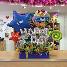 Así trabajamos en #JoliandGift ✨ cada pedido único y especial para cada cliente! Feliz Domingo Bouquet Box, Candy Bouquet, Balloon Bouquet, Balloon Arrangements, Balloon Decorations, Birthday Decorations, Birthday Candy, Birthday Balloons, Valentine Gift Baskets