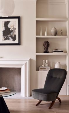 Daytrip creates modern living spaces below Powerscroft Road townhouse Book case Sitting Room Townhouse Interior, London Townhouse, Victorian Townhouse, Concrete Floors, Contemporary Furniture, Day Trips, Living Spaces, Living Rooms, Flooring