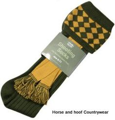 Jack Pyke of England Shooting Socks - Green Full length shooting socks with attractive chequered design complete with matching garter Made using 30