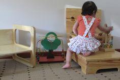A escada baú proporciona as crianças a experiência de descoberta e autonomia, cabe a elas o acesso a brinquedos, e a locais que antes dependiam totalmente dos pais para alcançar, colocadas em lugares onde as crianças possam acessar objetos e executar tarefas com segurança faz com que elas aprenda...