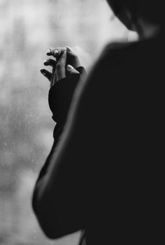 Hand Photography, Portrait Photography, Lost In Thought, Praying Hands, Jolie Photo, Black And White Photography, Tumblr, In This Moment, Beauty
