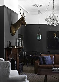 great manly looking room  -  Tracie-Ellis-House-Kyneton-Australia-04