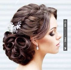Brilliant! -  | CHECK OUT THESE OTHER SUPER COOL PICTURES OF TASTY Wedding Hairstyles 2017 AT WEDDINGPINS.NET | #weddinghairstyles2017 #weddinghairstyles #weddinghair #2017 #weddingthemes #themes #weddings #boda #weddingphotos #weddingpictures #weddingphotography #brides #grooms