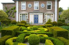 https://flic.kr/p/eFUJUg | The Laskett | A visit to Sir Roy Strong's garden in Herefordshire.  Here we see the much-embellished early Victorian house and the coils of the parterre.