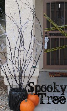Easy DIY Halloween Decor - Spooky Tree