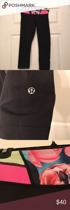 Reversible Lululemon crops The waistband on the inside is all black! They are in great condition. I wash & care for them properly (how lulu recommends). Nothing is wrong with them, I just no longer wear them! lululemon athletica Pants Track Pants & Joggers
