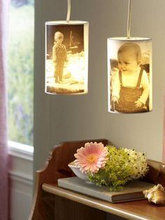 Haben Sie Ihre Liebsten immer auf dem Schirm: Fotografieren, auf Transparentpapier drucken und Lampenschirm bekleben.