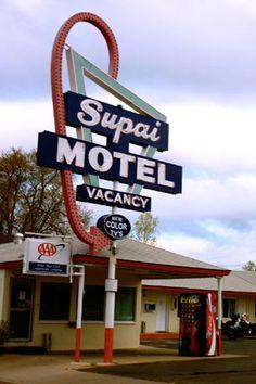 Seligman, Arizona - Hey look, they have Color TV!