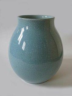 ADCO Vase with blue crackle glaze, model 1003B.
