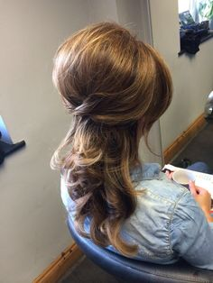 Big curly blowdry. Lots of back combing into a relaxed beehive. Kopper Hair, Glanmire, Cork, Ireland.