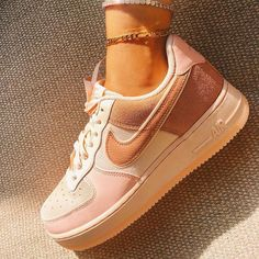 Sneakers Fashion, Fashion Shoes, Shoes Sneakers, Nike Fashion, Fashion Outfits, Nike Women Sneakers, Cute Sneakers For Women, 70s Shoes, Shoes Heels