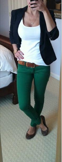 Black jacket emerald green pants  Basiquinho perfeito!!