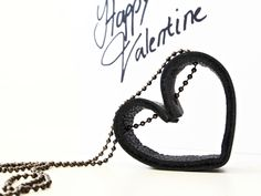 DIY Valentine Necklace from Monsterscircus.