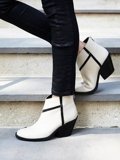 Lonely Mountain Ankle Boot | Chic leather ankle boots with modern elastic panels that make for a more comfortable fit.  Stacked block heel in a sleek shape.  Exposed back zip for an easy on/off.