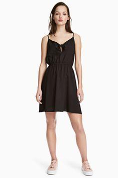 Solmullinen mekko - Musta - Ladies | H&M FI 1