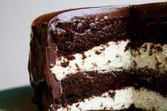 Mat på Bordet: Trippel sjokoladekake med kremfyll og ganache glasur