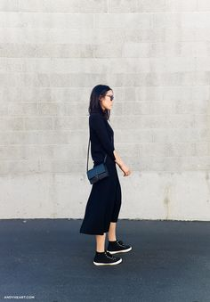 45 Stylish Fall Outfits With Cullotes fashion # fashion Sneakers Street Style, Black Sneakers, Superga Sneakers, Overalls Outfit, Black Overalls, Cool Style, My Style, Look Chic, Leather And Lace
