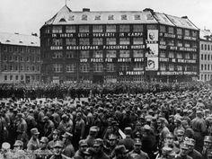 Das Karl-Liebknecht-Haus, Parteizentrale der Kommunistischen Partei Deutschlands [KPD], auf dem Berliner Bülowplatz (22. Januar 1933)