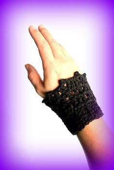 X2 Chauffe poignet noir fait main au crochet made in France unique créateur : Mitaines, gants par c-comme-celine