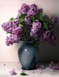 Purple mauve lilac photos - Lilac in vase | www.myLusciousLife.com