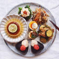 いつもの和食やおもてなしにも使える「和ンプレート」ごはんをご存知ですか?地味な食卓を華やかにしてくれると話題なんです。そんな和ンプレートごはんの盛り付け方やテクニックをまとめました。