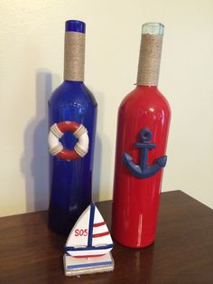 My project today: Two wine bottles, wrap neck with twine and add sea shell or nautical embellishment for cute additions to any beachy decor.