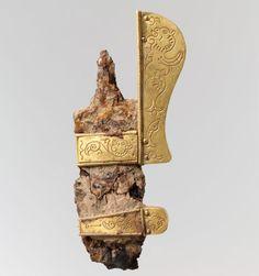 elsa di spada con decorazioni in oro
