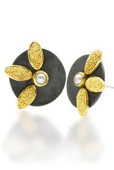daisy 3-leaf button earrings by Patricia Tschetter; photo: Marilyn O'Hara.