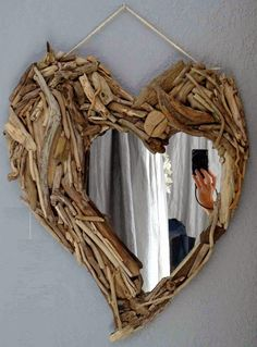 Made from yard sticks Driftwood Furniture, Driftwood Projects, Driftwood Frame, Dry Tree, Nature Decor, Grapevine Wreath, Diy And Crafts, Home Improvement, Crafty