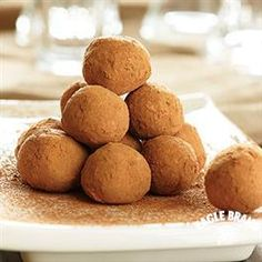 4 Ingredients is all it takes to make these Chocolate Truffles from Eagle Brand® Sweetened Condensed Milk for a simple holiday gift!