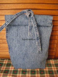 ,,,,,parte finale di una gamba di jeans,,,,,,,portamerenda  :)