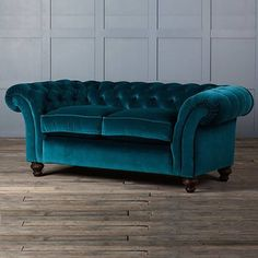 i must have it velvet teal chesterfield sofa this will be my home rh pinterest com teal green chesterfield sofa Chesterfield Sofa Decorating Ideas