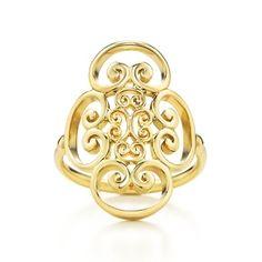 Paloma's Venezia Goldoni quadruplo ring in 18k gold.  I think I deserve this next year for 25 years of faithful wifedom.