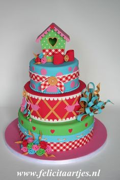 We made this cake for the dutch cake magazine Mjamtaart !